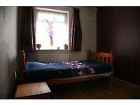 Spacious single room - Close to Burnham Train Station