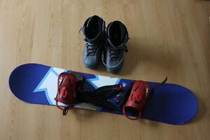 Kids snowboard 24/Seven with boots US size 4