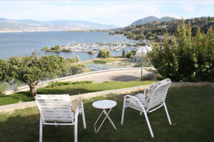 Stunning Updated 2BR with Amazing Lake View, a Block from Beach