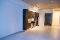 KING WEST - 3 BED / 2 BATH w/ Parking (Exclusive Listing)
