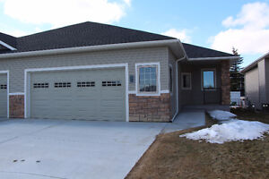 50+ Bungalow Villa for Sale in Carstairs, Alberta