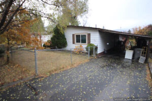 Home On Almost 10,000 sq ft Lot In Barnhartvale
