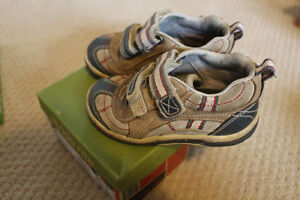 Stride ride baby boy shoes, size 8