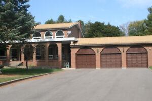 $2700 Exclusive Estate Rental in Shanty Bay