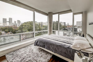 Executive Loft - 2 Bed/2 Bath + Parking for Rent in King West