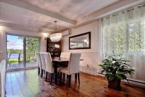 VISITE LIBRE- Splendide maison à vendre au bord de l'eau