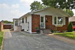 "COZY Home with 4 LARGE Bedrooms, Shoreacres ""Nelson"" Community!"