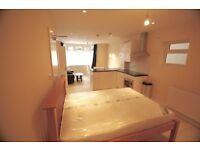 Studio flat in Merton Road, Slough, Berkshire, SL1