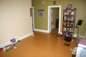 Available May 1st Upstairs 2 bedroom Apartment