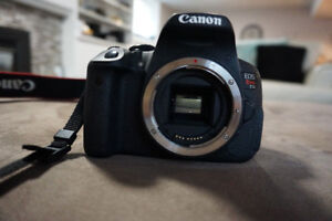 Canon EOS REBEL T5i Camera Body with EFS 18-55mm lens