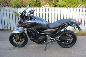 2015 Honda NC750XA w/ ABS, engine guard, touring screen