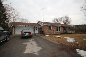 2 ACRES MURRAY HILLS, MINUTES TO 401, POND