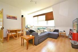 1 bedroom flat in Priory Road, Crouch End, N8