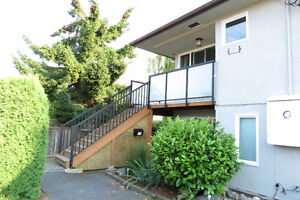 Clean Furnished 4-5 Bedroom Half-Duplex -Central Locale- Sep 1