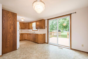 NEW PRICE!!!  IMMACULATE 2 STOREY SEMI IN BELMONT ON London Ontario image 3