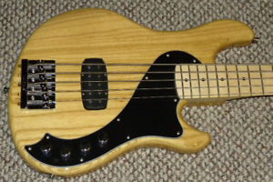 Fender Deluxe Dimension 5 String Active Bass