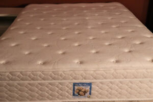 QUEEN SERTA PILLOWTOP BED_DELIVERY AVAILABLE