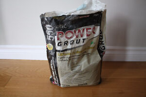 Coulis pour céramique Power Grout 550 de la compagnie TEC