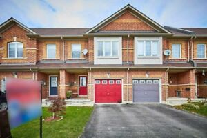 Amazing 3 Bdrm Town Home Has Gourmet Modern Kitchen *WHITBY*