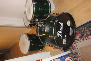 Pearl Drum set with cymbals and hardware