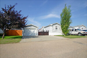 AFFORDABLE - 3BDRM / 2BATH MOBILE HOME WITH GARAGE!