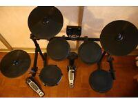 Electric drum kit - Alesis DM6 - EXCELLENT CONDITION - URGENT