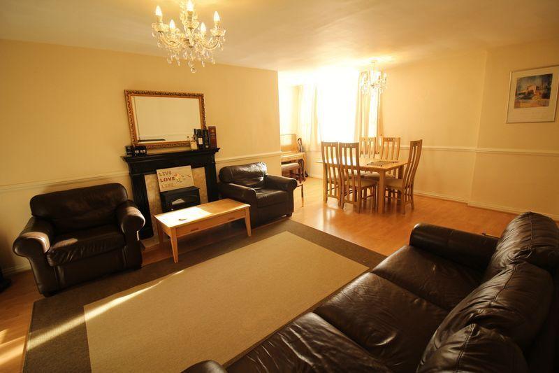 2 bedroom flat in , Newcastle Upon Tyne, NE1