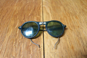 VINTAGE MOTORCYCLE OR WELDING GLASSES