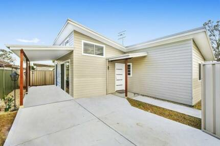 2-br house for rent in Umina Beach close to shops and beaches