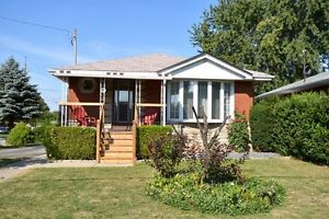 144 Rendell Blvd 4 bedroom bungalow - inlaw suite Hamilton, On