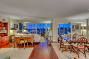 Breathtaking views from this tastefully updated 1510 SF Condo