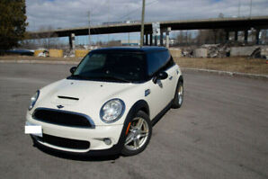 2010 Mini Cooper S - Safetied   Winter and Summer Tires on Rims!