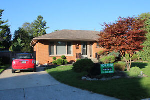 Beautiful 3BD 1Bath home in South Windsor! Now Promotion $1399++
