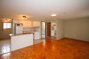 Looking For A Nice Bright Space? Warden/Lawrence
