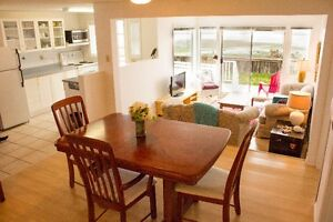Beachside Cottage in Qualicum Beach. BOOK NOW. 2 bdrms, 2 baths