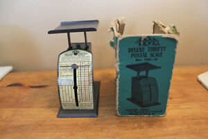 Vintage Deluxe Thrifty Postal Scale