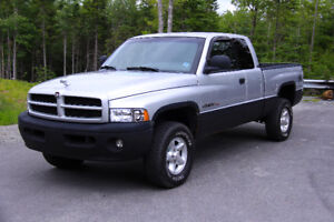 2001 Dodge Ram Sport 4x4 Low KM's Recent MVI!