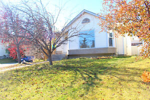 4 bedroom bungalow in popular Shawnessy