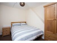 DOUBLE ROOMS TO RENT, ALL BILLS INC,NO DEPOSIT,FULLY FURN,WIFI,CLEANER, SKY TV INROOM