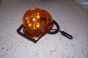 FLASHING ORANGE ROOF LIGHT FOR PLOWING