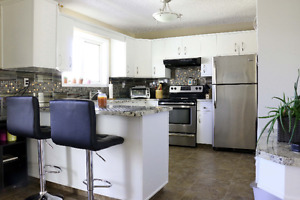 Pincher Creek House in desirable location