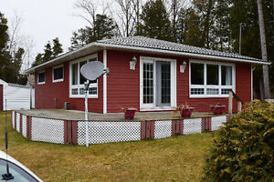 WATER VIEW BUNGALOW NEAR BRUCE POWER & PORT ELGIN