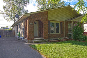 ***AMAZING NIAGARA FALLS 3 BEDROOM, 2 FULL BATH HOME***