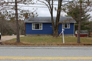 Cute Bungalow only $189,999!!! The perfect starter home!