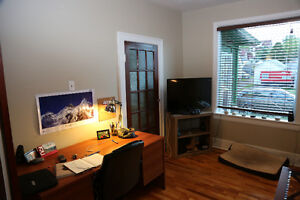 Beautiful main floor of house, close to LU and Law School