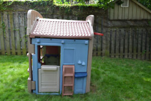 Little Tykes outdoor play station $50