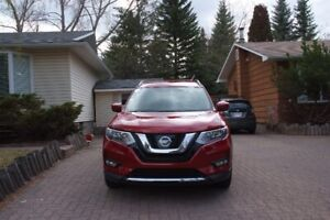 2017 Nissan Rogue SV - AWD - LOW MILEAGE - MOVING OVERSEAS