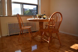 Windsor Chairs Buy And Sell Furniture In Toronto GTA Kijiji Classifieds