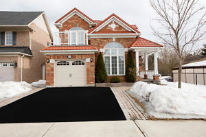 House available for Renting in Mississauga from Dec 15