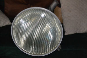"""vintage 19"""" floodlight with  glass lenz"""